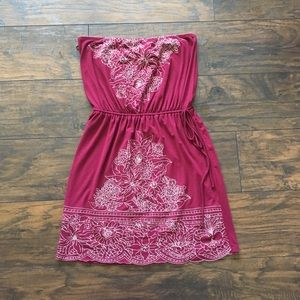 Dresses & Skirts - Strapless maroon casual summer dress